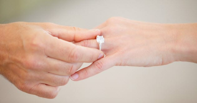 1a-diamond-ring_25154644_SMALL