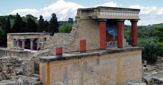 8-minoan-palace-knossos
