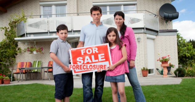 feature-b-foreclosure_18983996_SMALL