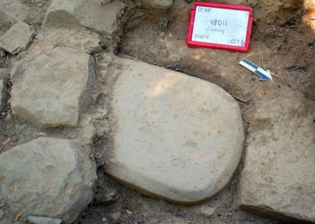 5-etruscan-stele