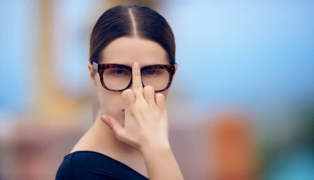 5a-middle-finger-glasses-488509330