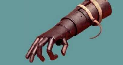 feature-a-8-iron-hand-gotz