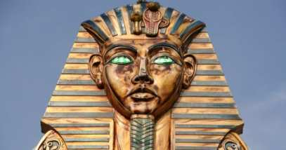 5a-pharaoh-statue-157287805
