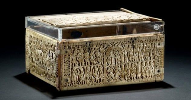8-franks-casket