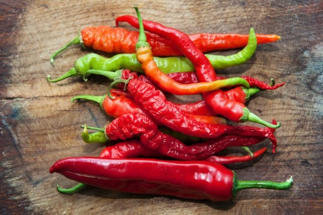 9a-hot-peppers-485773748