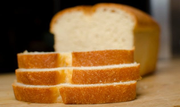 9a-loaf-of-bread-518019180