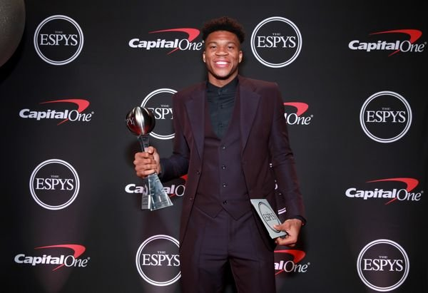 Giannis Antetokounmpo Wins 'Best Male Athlete' & 'Best NBA Player' At 2019 ESPY Awards