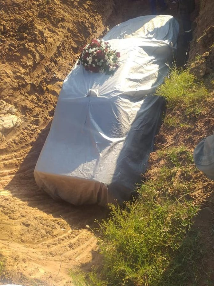 South African Politician Gets his Wish to be Buried in his Mercedes-Benz