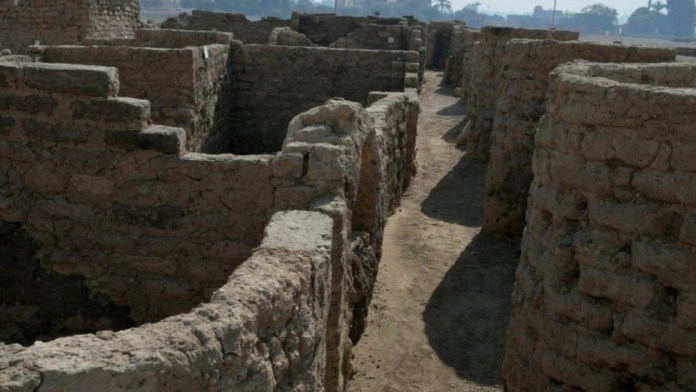 3,000-year-old 'lost golden city' of ancient Egypt discovered