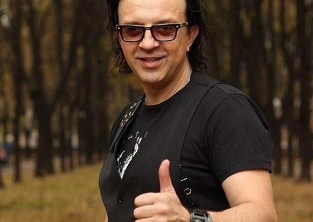Рома Жуков - российский музыкант, певец и композитор...
