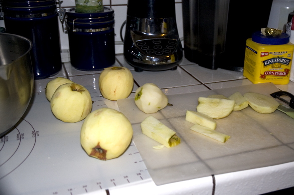peeled pears and apples