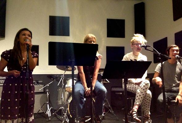Studio practice with Nia Peeples and Ellis