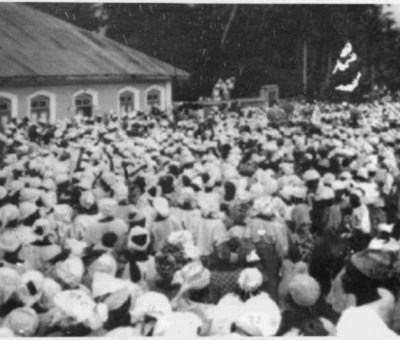 Funmilayo Ransome Kuti addressing a crowd in the 50s