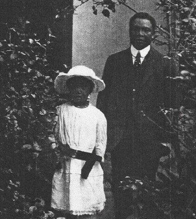 Eric moore and daughter, Kofoworola in the 1920s.