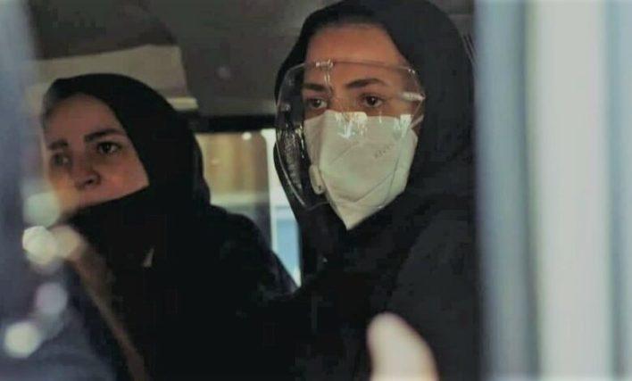 نظرة بألف معنى».. تعليقات الجمهور على صور إيمي ودنيا في جنازة سمير غانم -  المصري لايت