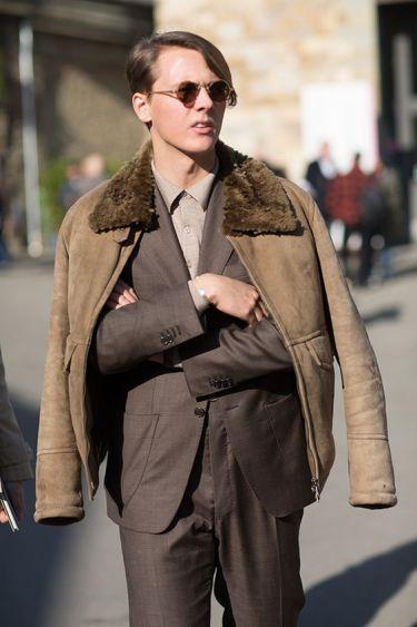 【媚びないモテスタイル】30代メンズのボンバージャケット正解コーデとは?