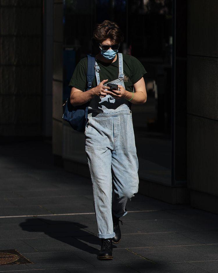 30代40代メンズに似合うオーバーオールコーデ