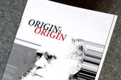 """Tommi Brem: ORIGIN'S ORIGIN. Die fiktionalisierte Autobiografie von Charles Darwin. 48 Seiten, Taschenbuch (2012). """"Vielleicht habe ich ja den gesamten Text frei erfunden? Was wäre der Unterschied?"""""""