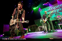 Hollywood Vampires - Casino Rama, Orillia - July 8th, 2016 photo by Mike Bax