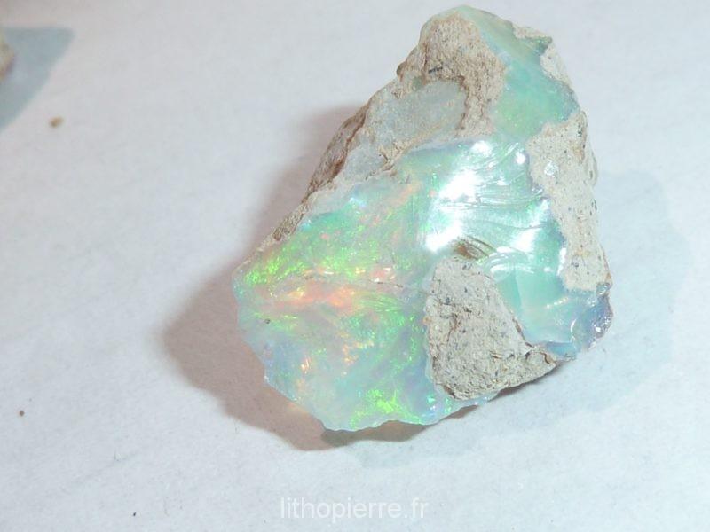 Opale d' Ethiopie verte en pierre brute