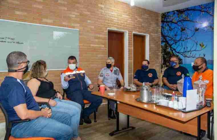 """Ubatuba sedia oficina """"OperaçãoChuvas de Verão"""" para coordenadores de Defesa Civil da RM Vale"""