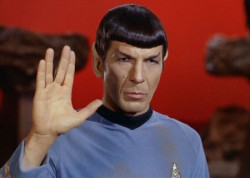Spock Sings the Praises of Bilbo Baggins