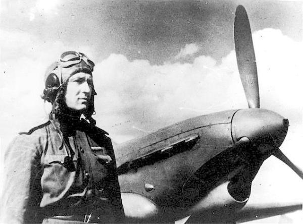 Советский лётчик, командир 518 истребительного авиационного полка Яков Околелов много лет ждал подтверждения своей победы над Ме-262