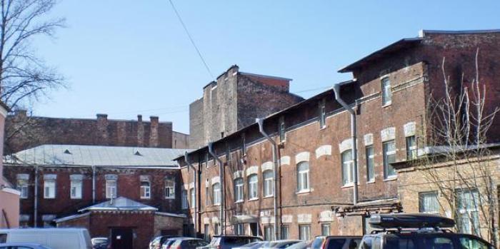 Здания некогда национализированной фабрики Мориса Конради до сих пор стоят в Петербурге