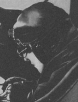 В 1926 году на одном из первых самолетов Кольцов перелетел через Черное море в Анкару