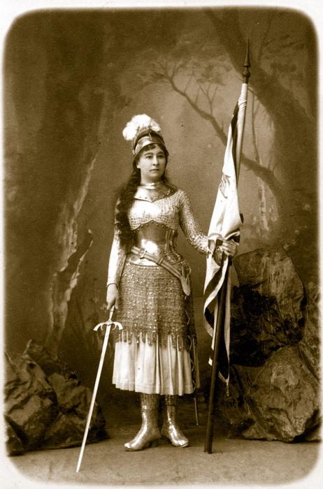 Мария Ермолова в костюме Жанны Дарк. Еще один мятежный образ