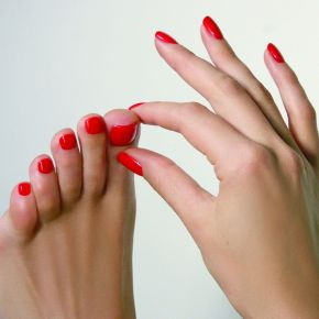 THE PERFECT PEDICURE - THE LAZY GIRL'S GUIDE