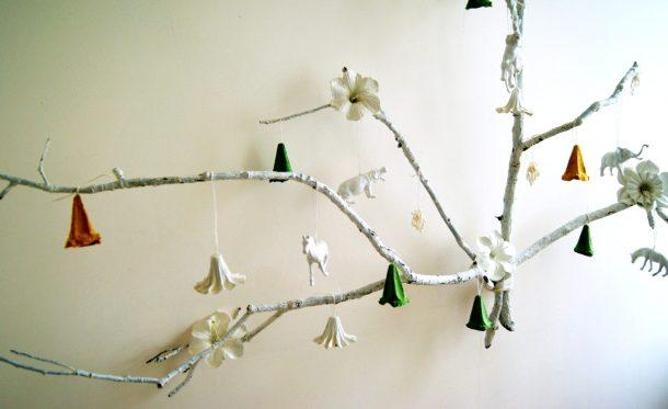 alternative christmas tree by amalia dulhan 7