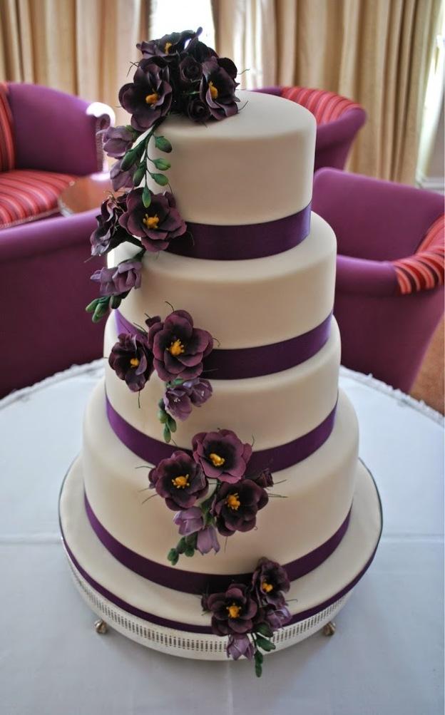 Purple Lisianthus And Freesia Wedding Cake Little Bear