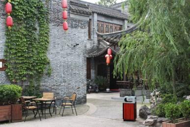 Dongguan Road, Yangzhou