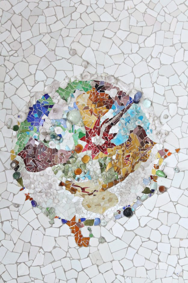 Gaudi_mosaics_park_guell_Little_Big_Bell
