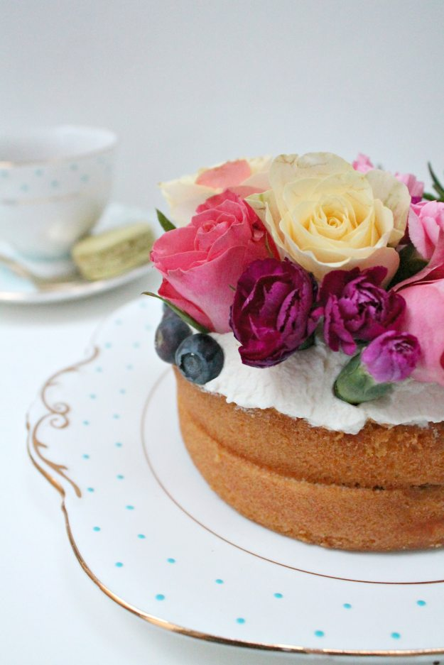 Floral-naked-cake-styling-and-photo-by-Little-Big-Bell