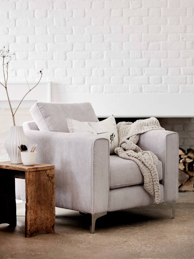 DFS_WHITE_sofa_no.-1