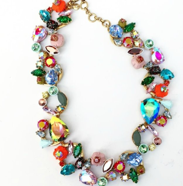 Stylist-live-curated-necklace-photo-by-Little-Big-Bell