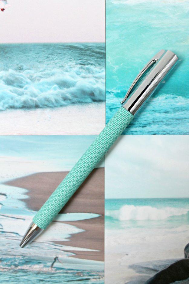 Faber-Castell-pen-photo-by-Little-Big-Bell