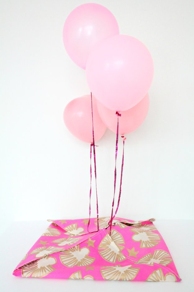 Balloon-time-gift-Little-Big-Bell