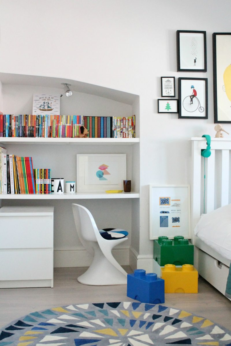 Kid's-workspace-photo-by-Little-Big-Bell