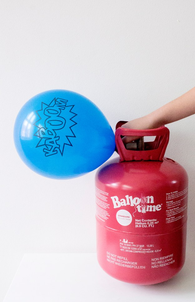 Balloon-Time-Helium-UK-photo-by-Little-Big-Bell