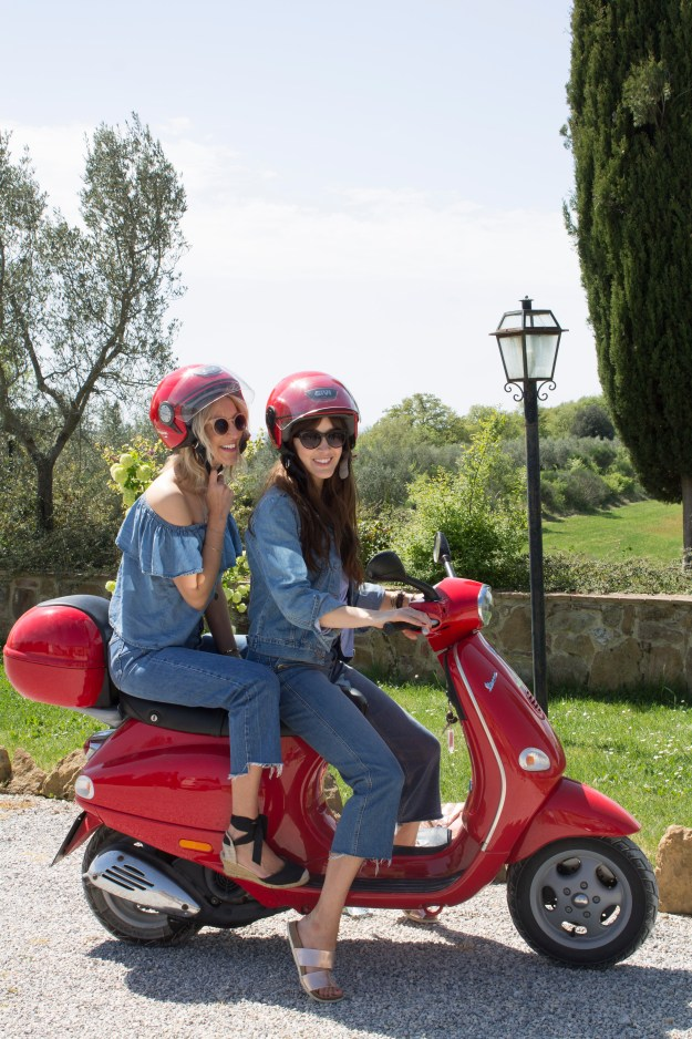 Vespa-tour-Tuscany-photo-by-Geraldine-Tan-Little-Big-Bell