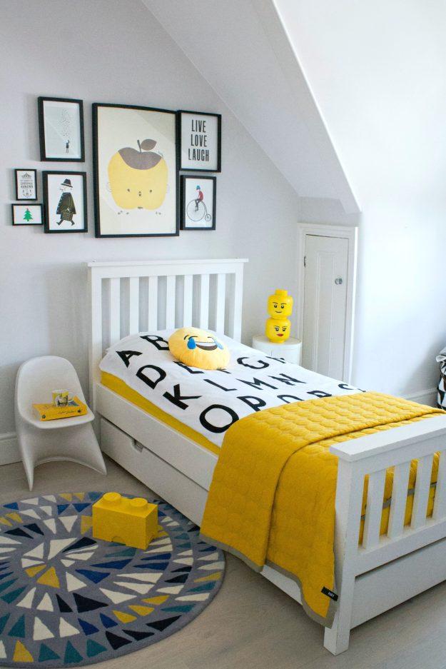 Eve-mattress-2-at-home-boy's-room-photo-by-Littlebigbell.com