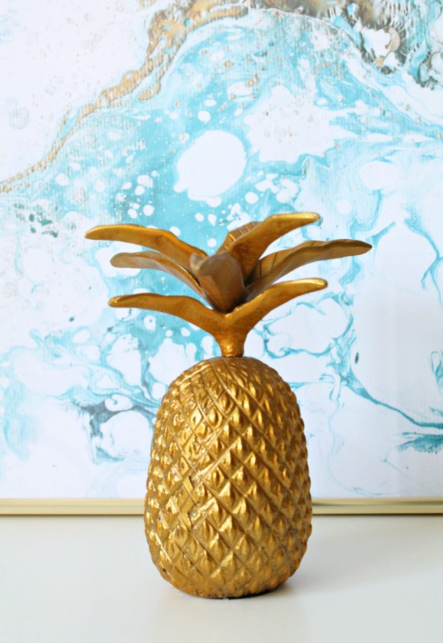 Gold-pineapple-decor-photo-by-Geraldine-Tan-Littlebigbell.com