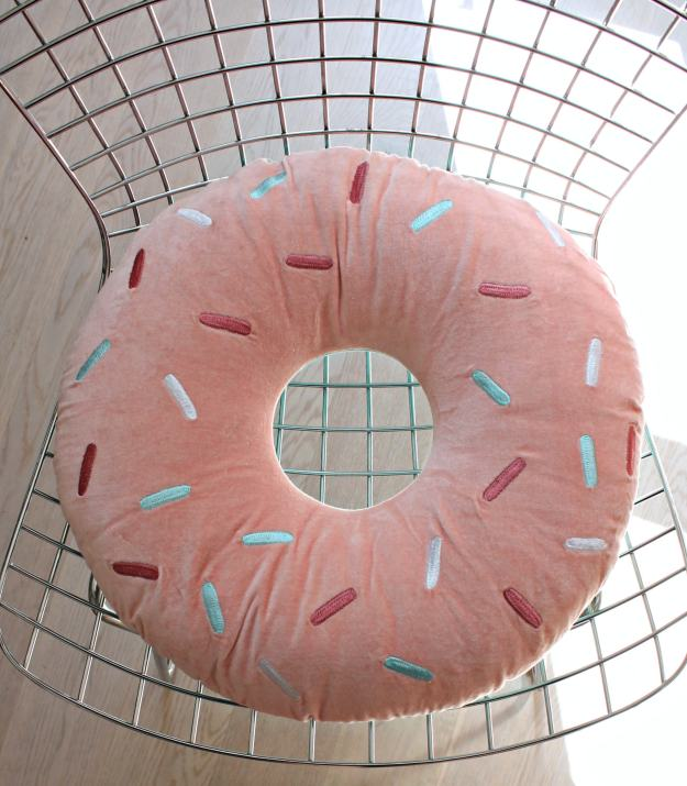 Donut-cushion-from-Arro-home-Little-Big-Bell