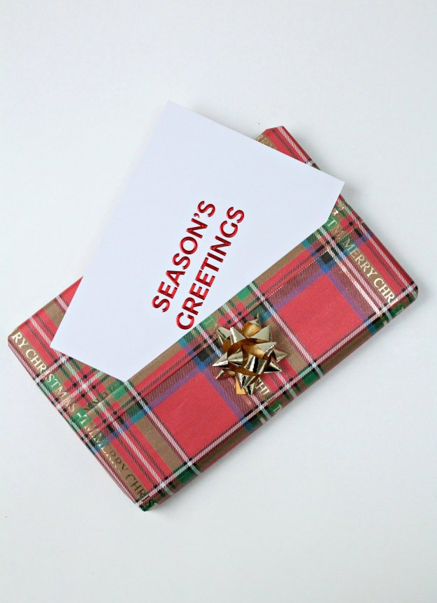 christmas-gift-wrapping-ideas-pocket-for-card-photo-by-little-big-bell
