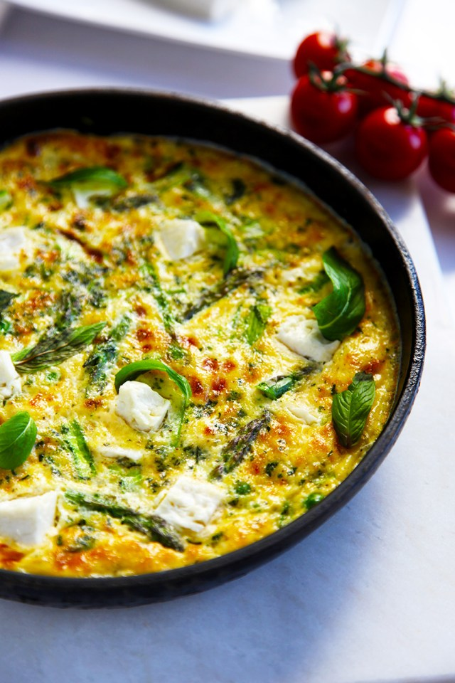 Asparagus Frittata with peas, feta and mint - toddler friendly food | Little Big H