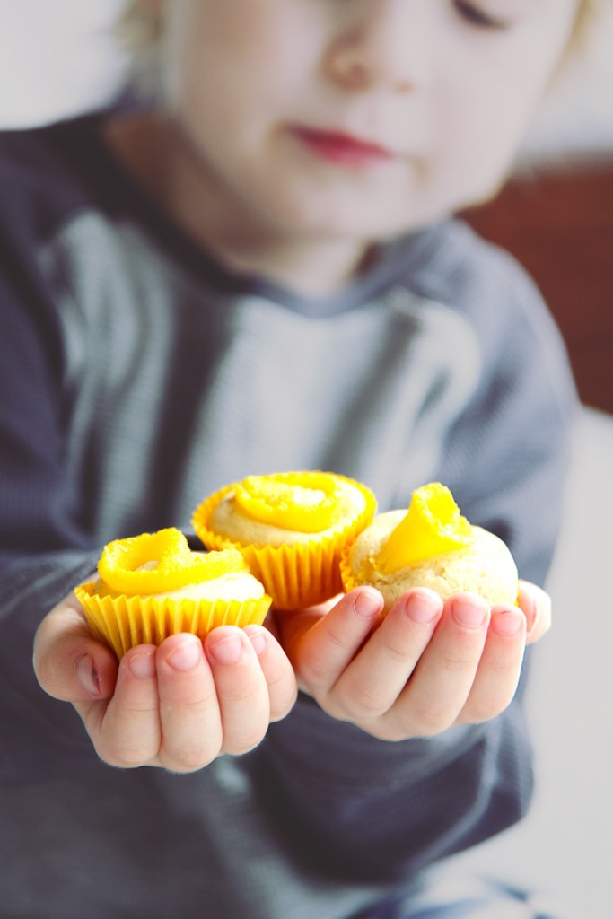 Mini Mango Banana Cupcakes
