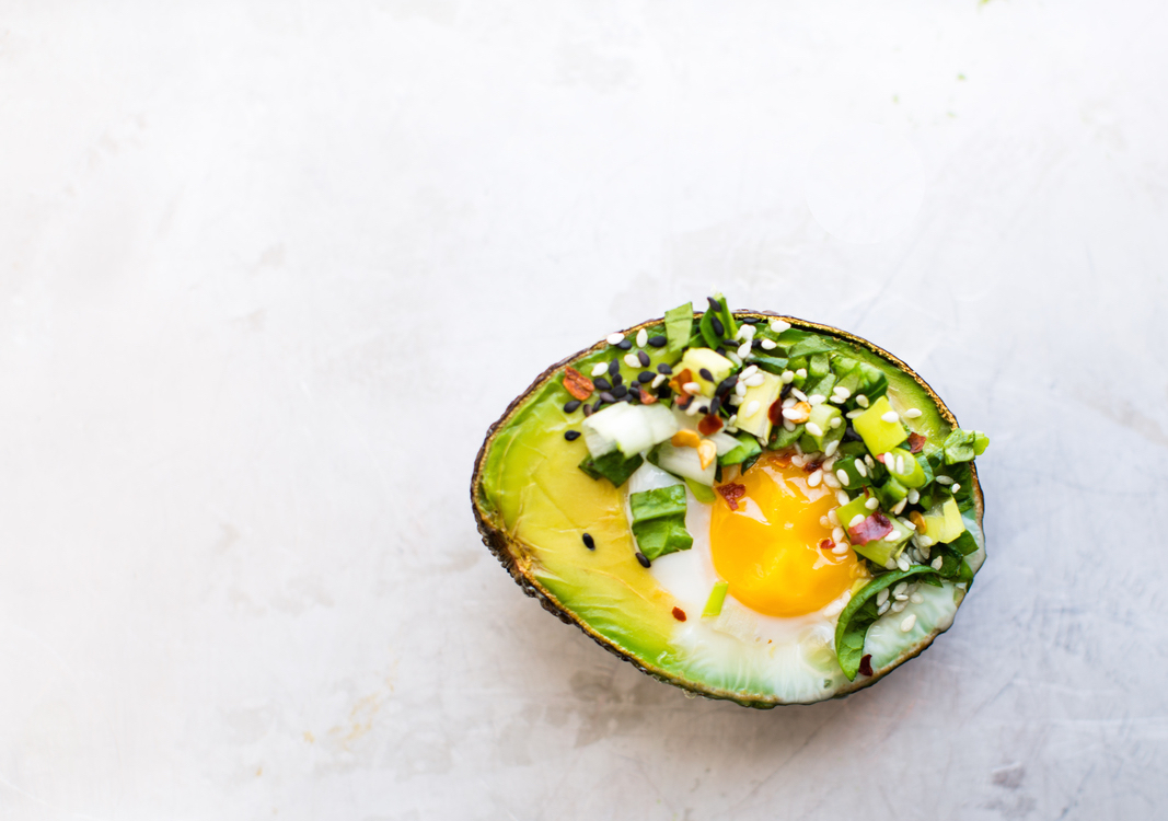 2-Avocado-Egg-Boats+_+www-1.8thandlake.com